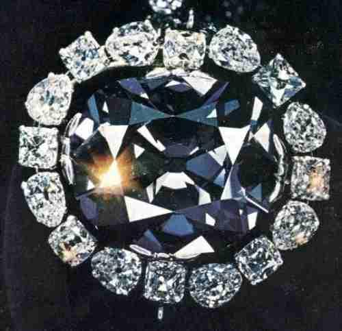 Η κατάρα του Μπλέ Διαμαντιού