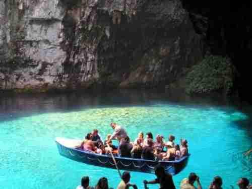 Η υπόγεια λίμνη της Μελισσάνης