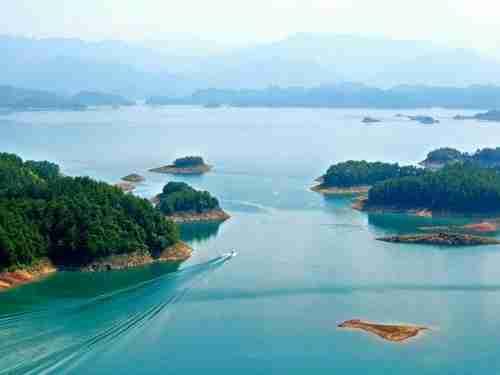 Η λίμνη με τα χίλια νησιά