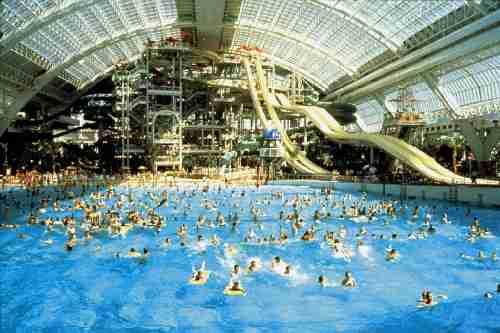Το μεγαλύτερο κλειστό υδάτινο πάρκο στον κόσμο