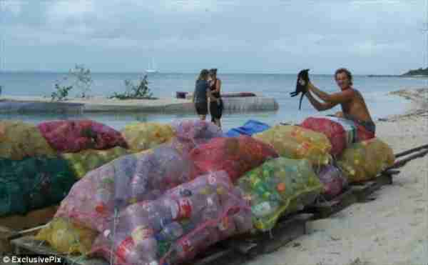 Spiral Island, ένα νησί από πλαστικά μπουκάλια