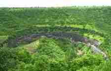 Ένας ναός σκαλισμένος στο εσωτερικό μιας σπηλιάς