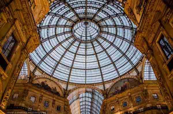 The Galleria: ένας δρόμος σκεπασμένος με γυαλί