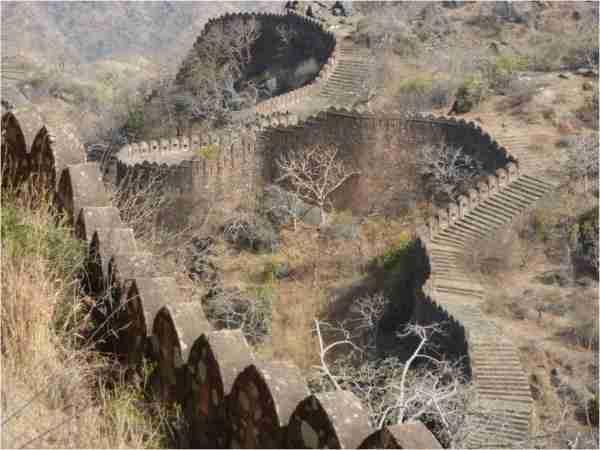 Kumbhalgarh, το δεύτερο μεγαλύτερο τείχος μετά το Σινικό