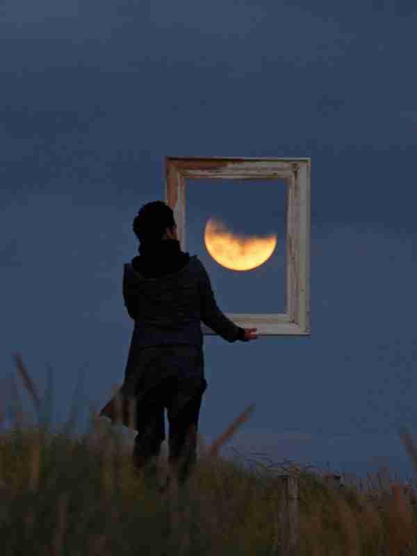 Παιχνίδια με το φεγγάρι, του Laurent Laveder