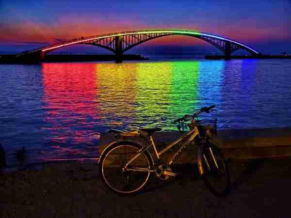 Η υπέροχη Rainbow Bridge στην Ταιβάν