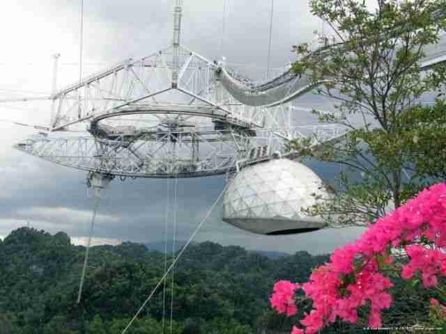 Το μεγαλύτερο και διασημότερο ραδιοτηλεσκόπιο στον κόσμο