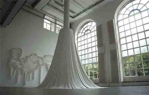 Sakir Gökcebag, ο άνθρωπος που δημιουργεί με χαρτί τουαλέτας