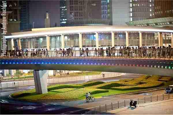 Η κυκλική διάβαση πεζών της Σαγκάης