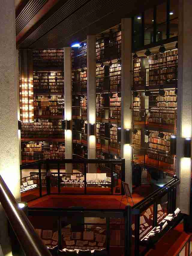 Thomas Fisher Rare Book Library2