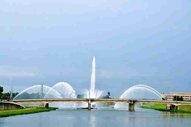 Five Rivers Fountain of Lights – Dayton, Ohio, USA2