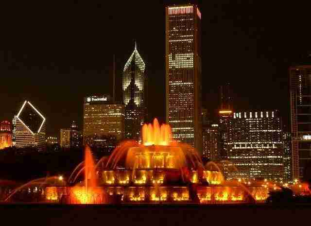 The Buckingham Memorial Fountain – Chicago, Illinois, USA2