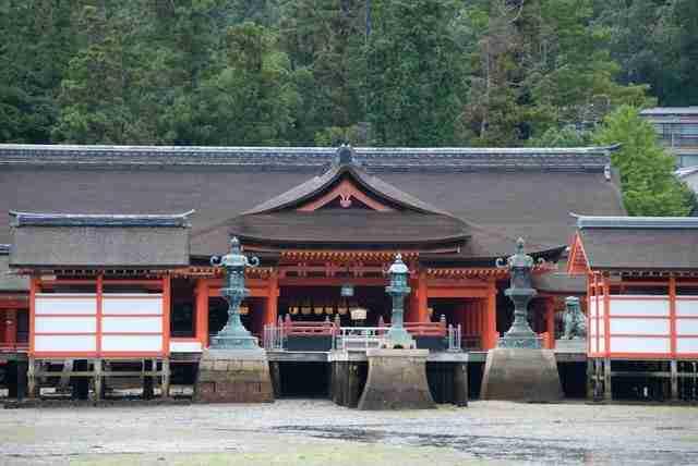 Ένας ναός στη μέση της θάλασσας