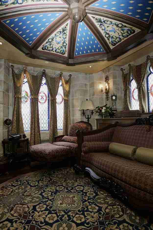 Μια σουίτα μέσα στο Κάστρο της Σταχτοπούτας!