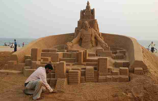 Γλυπτά στην άμμο από τον Sudarsan Pattnaik