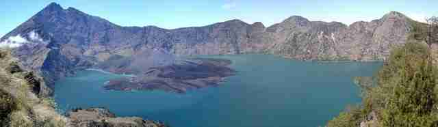 In-Indonesia-Lake-Segara-Anak-Mount-Rinjani-Lombok