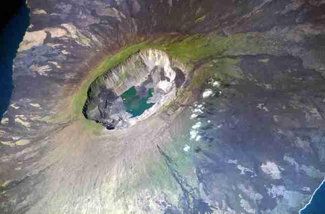 La-Cumbre-volcano-Fernandina-Island-Galapagos