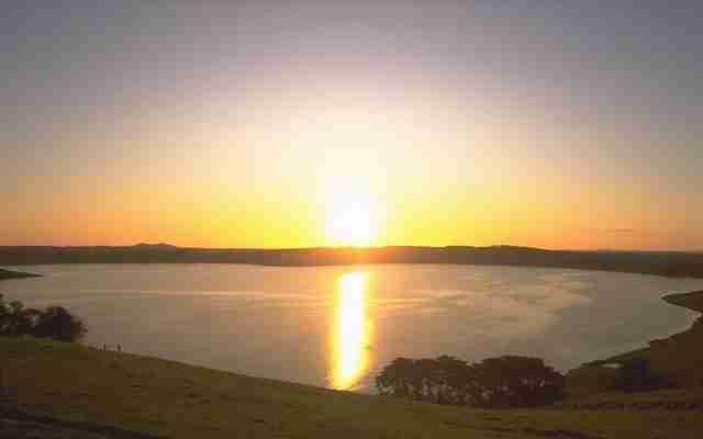 Lake-Bullen-Merri-is-a-brackish-crater-lake-near-Camperdown-in-Victoria-Australia