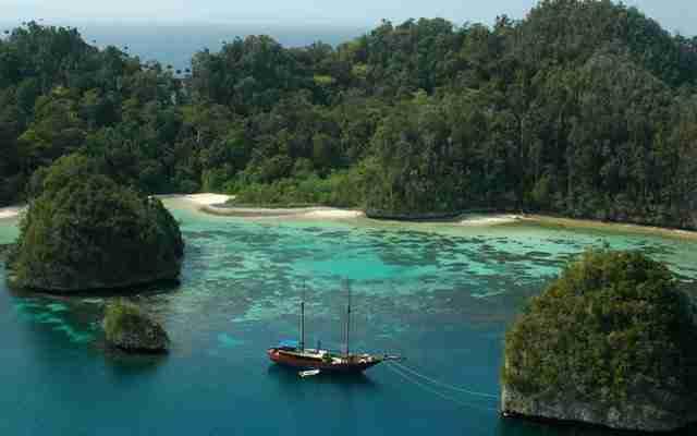 Lake-Toba-North-Sumatra-Worlds-Largest-Caldera-Lake-the-Site-of-the-Toba-Indonesia