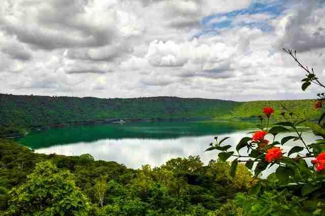 Lonar-Crater-Lake-at-Aurangabad-India