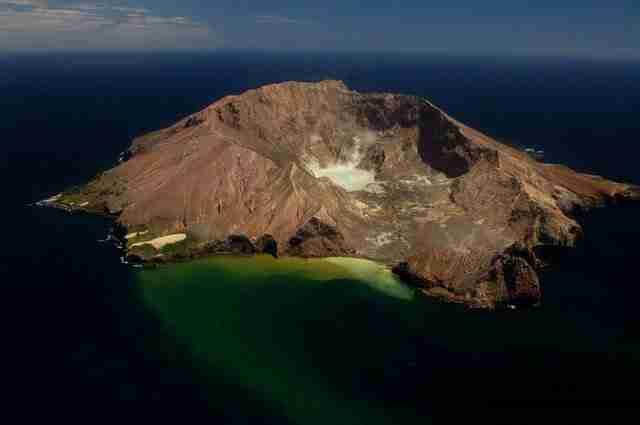 White-Island-Crater-Lake