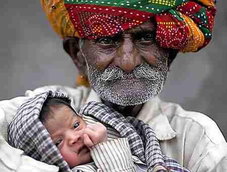 Ο μεγαλύτερος σε ηλικία νέος πατέρας στον κόσμο: 90 ετών