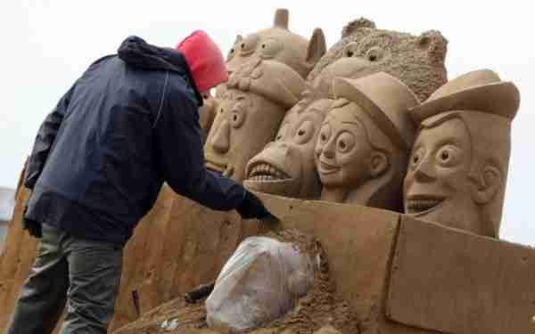 Γλυπτά στην άμμο με θέμα τον Κινηματογράφο