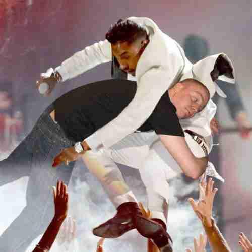 Αγκαλιά με την Rihanna με την βοήθεια του Photoshop
