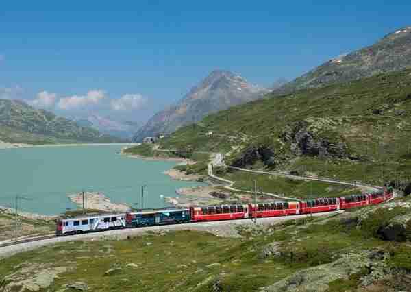 Albula-Bernina Railway Line, Switzerland2