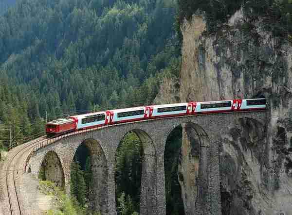 Albula-Bernina Railway Line, Switzerland3