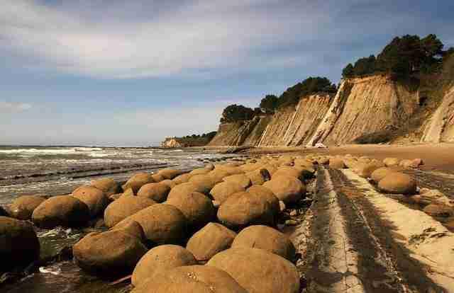 Moeraki-boulders_