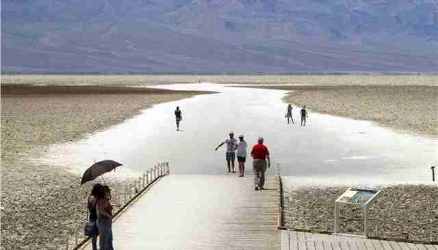Καλοκαίρι στην Κοιλάδα του Θανάτου με θερμοκρασία 54 βαθμούς Κελσίου