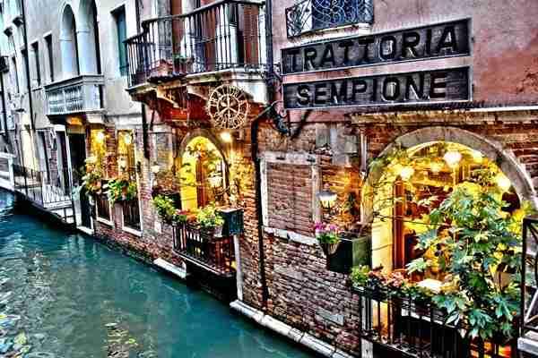 Το πιο ειδυλλιακό cafe της Βενετίας!