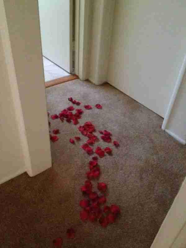 Ρομαντική έκπληξη στον υδραυλικό