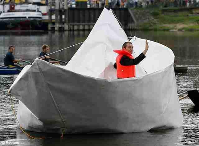 Χάρτινη βάρκα
