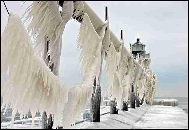 Η παγωμένη προβλήτα της λίμνης Μίτσιγκαν