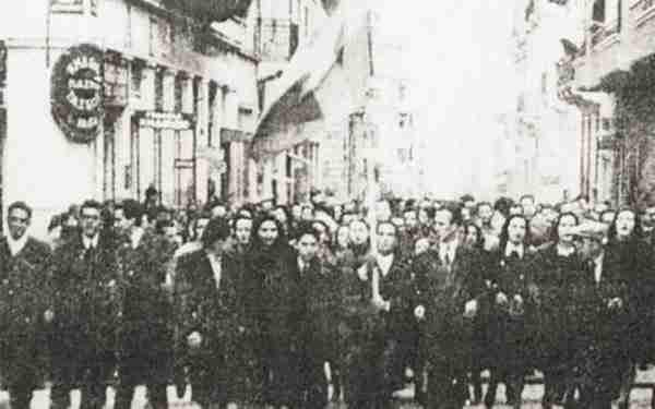 dinfo.gr - Γιατί η Ελλάδα γιορτάζει την έναρξη κι όχι τη λήξη του Β' Παγκοσμίου Πολέμου;