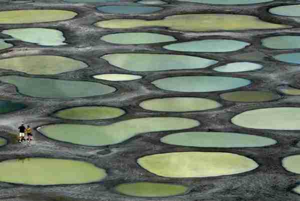 dinfo.gr - Οι 10 πιο παράξενες λίμνες στον κόσμο!