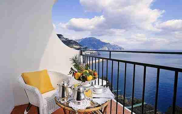 dinfo.gr - Τα 26 μπαλκόνια ξενοδοχείων με την καλύτερη θέα