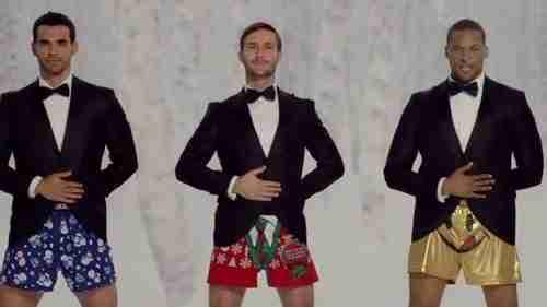 dinfo.gr - Η διαφήμιση αντρικών εσωρούχων που διχάζει την Αμερική