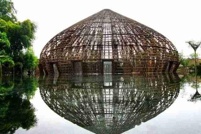 dinfo.gr - Μπαρ κατασκευασμένο εξ ολοκλήρου από Μπαμπού