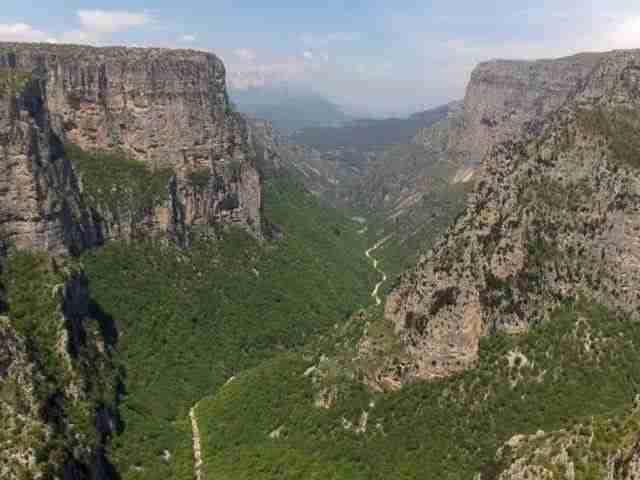 dinfo.gr - Το φαράγγι του Βίκου, το βαθύτερο φαράγγι στον κόσμο