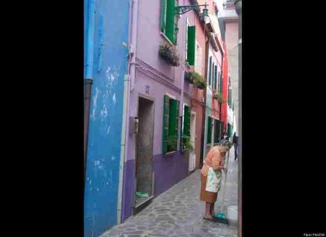 dinfo.gr - Μπουράνο, η πόλη που μοιάζει με πίνακα ζωγραφικής