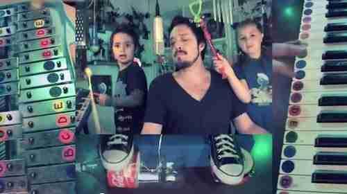 dinfo.gr - Μπαμπάς και παιδιά διασκευάζουν με εκπληκτικό τρόπο Depeche Mode