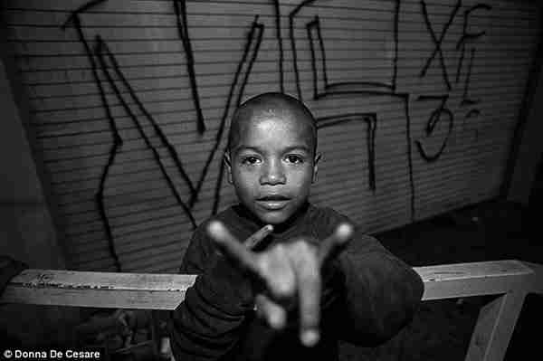 dinfo.gr - Μεγαλώνοντας στις πιο σκληροπυρηνικές συμμορίες της Νέας Υόρκης