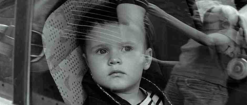 dinfo.gr - Να γιατί δεν πρέπει να αφήνετε ποτέ μόνα τους τα παιδιά στο αυτοκίνητο..