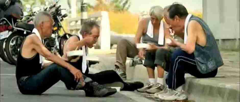 Αυτό που έκαναν αυτοί οι 5 ηλικιωμένοι όταν έχασαν τον φίλο τους θα αγγίξει τις καρδιές σας