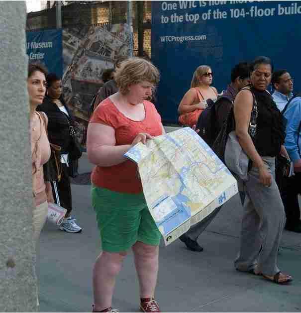 Αυτή η γυναίκα μοιάζει να είναι η πρωταγωνίστρια της φωτογραφίας. Η πραγματικότητα όμως είναι πολύ διαφορετική