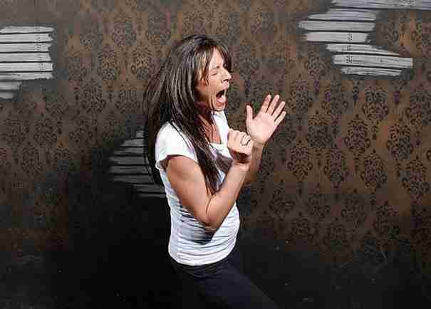 """27 φωτογραφίες που αποδεικνύουν ότι τα """"στοιχειωμένα σπίτια"""" δεν είναι για όλους τους ανθρώπους"""