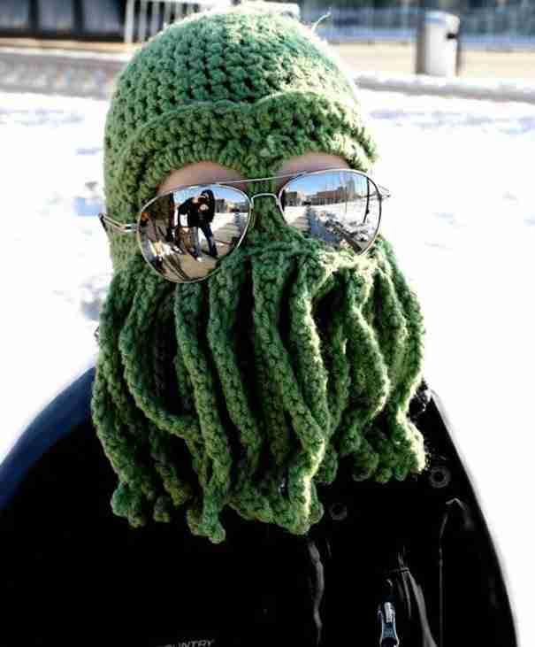 25 παράξενα σκουφάκια για τις κρύες μέρες του χειμώνα